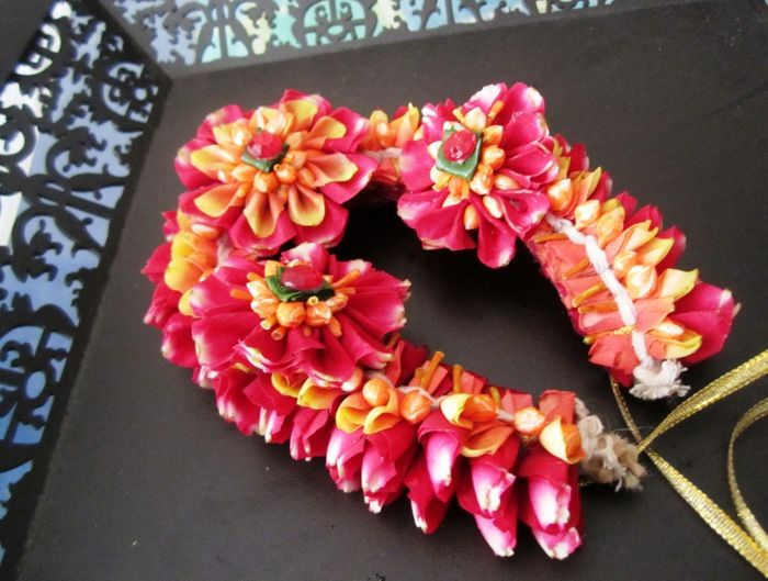 Flower Jewellery For Mehndi : Flower jewellery for your mehendi : check out floral art in mumbai
