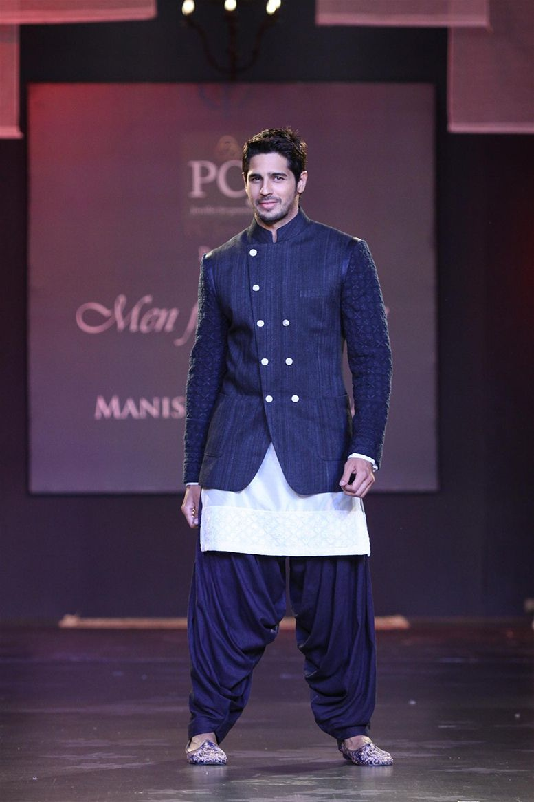 Manish Malhotra Mijwan Fashion Show 2014 : WMG Picks | WedMeGood