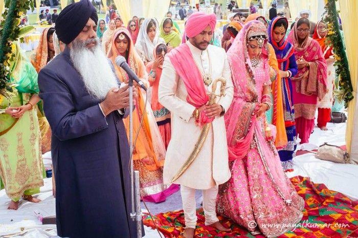 manish-malhotra-pink-lehenga1