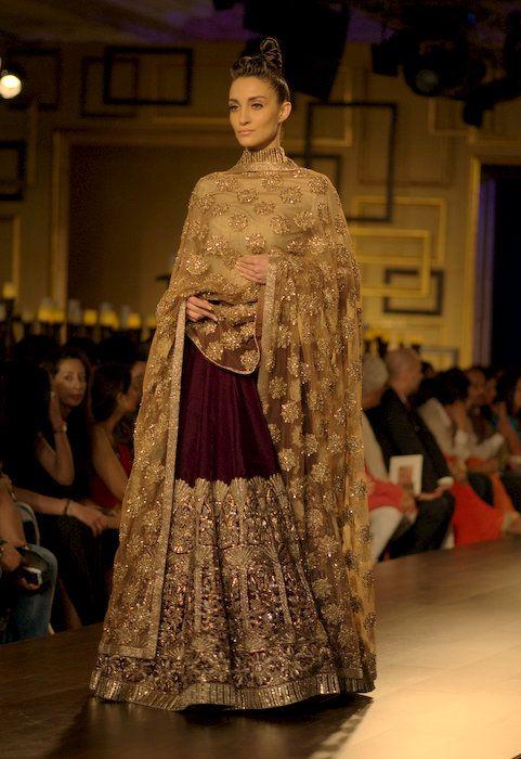manish malhotra at india couture week 2014 bridal