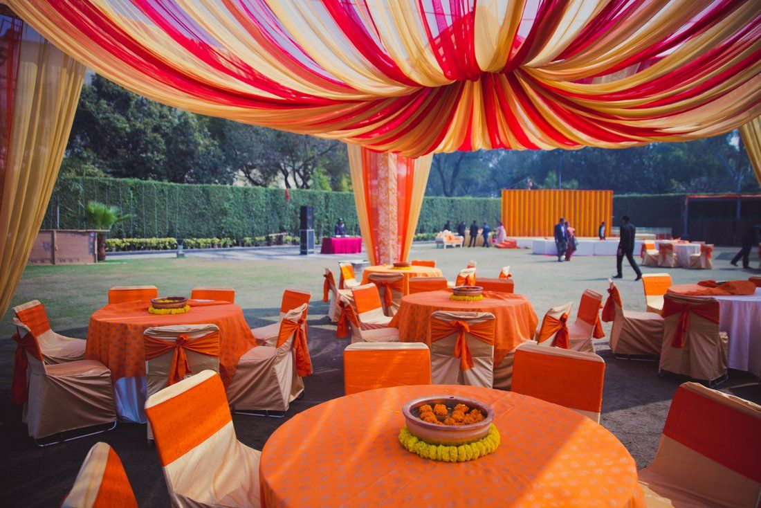 A Wintery Engagement in Delhi with 50 shades of Orange ! | WedMeGood