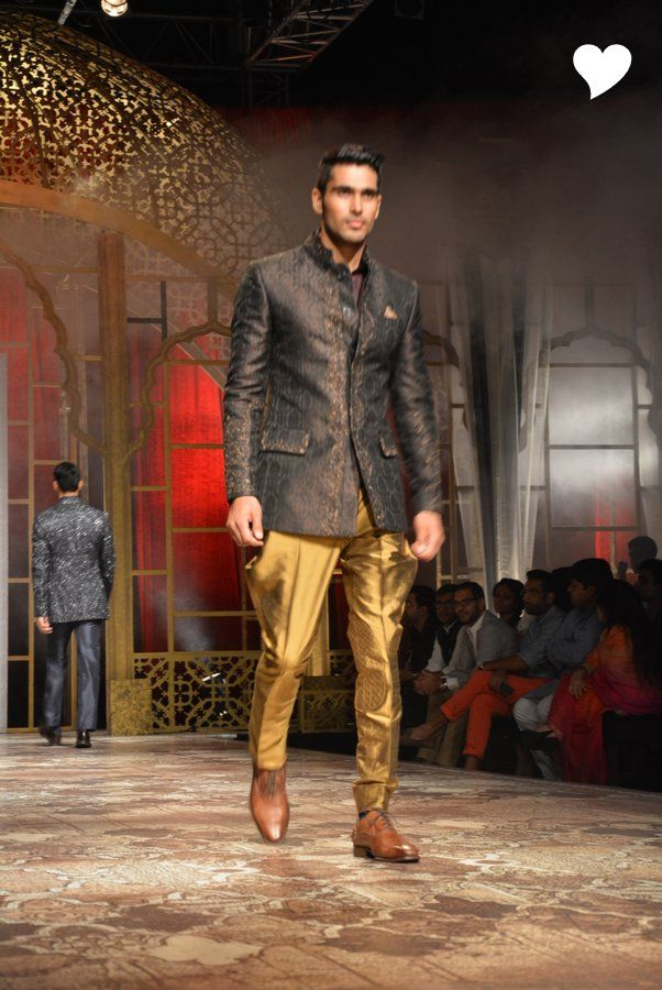 Raghavendra Rathore S Collection At India Bridal Fashion
