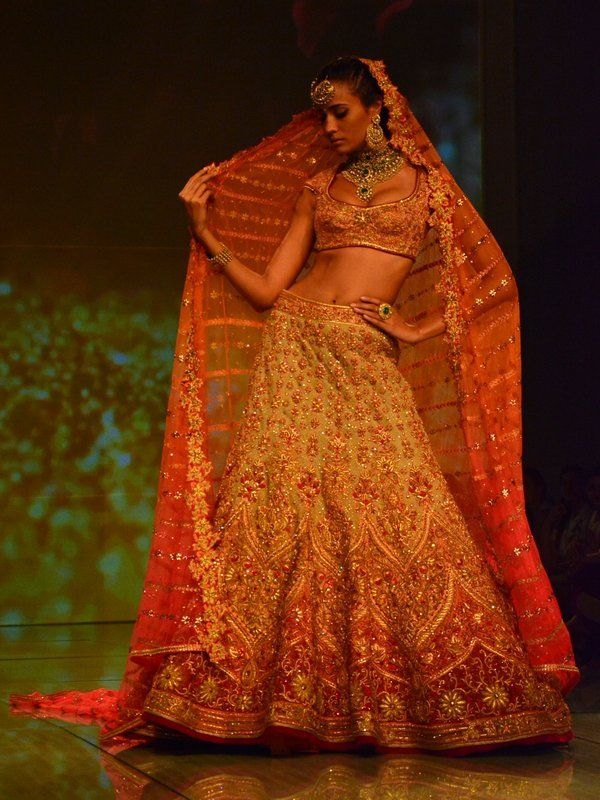 tarun-tahiliani-bridal-collection-2014 (5)
