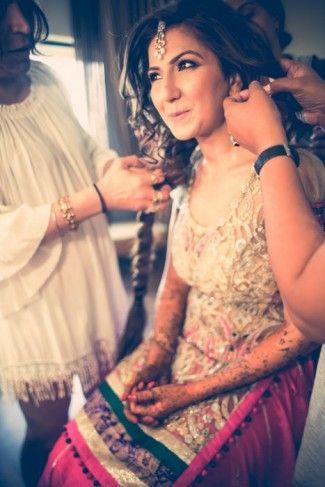 pinkand gold-mehendi-outfit (2)