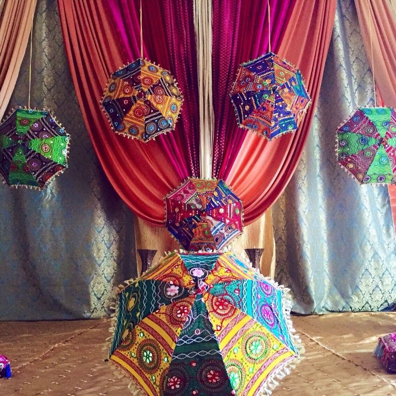 Diy Wall Draping For Weddings That Meet Interesting Decors: 16 DIY Photo-booth Backdrops For Your Mehendi / Cocktail