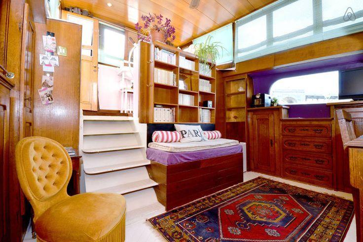 houseboat paris