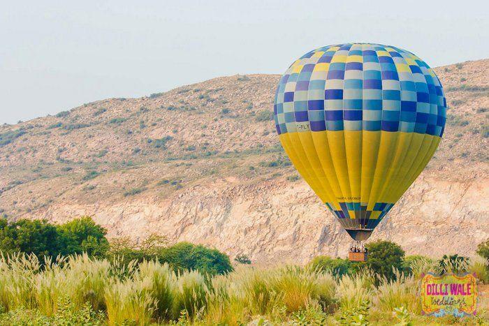 01-hot-airballoon-pre-weddingshoot (2)