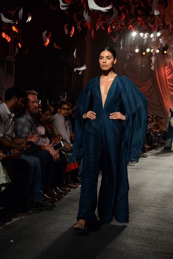 Manish Malhotra Spring Summer 2016 Haute Couture Collection ELEMENTS (21)