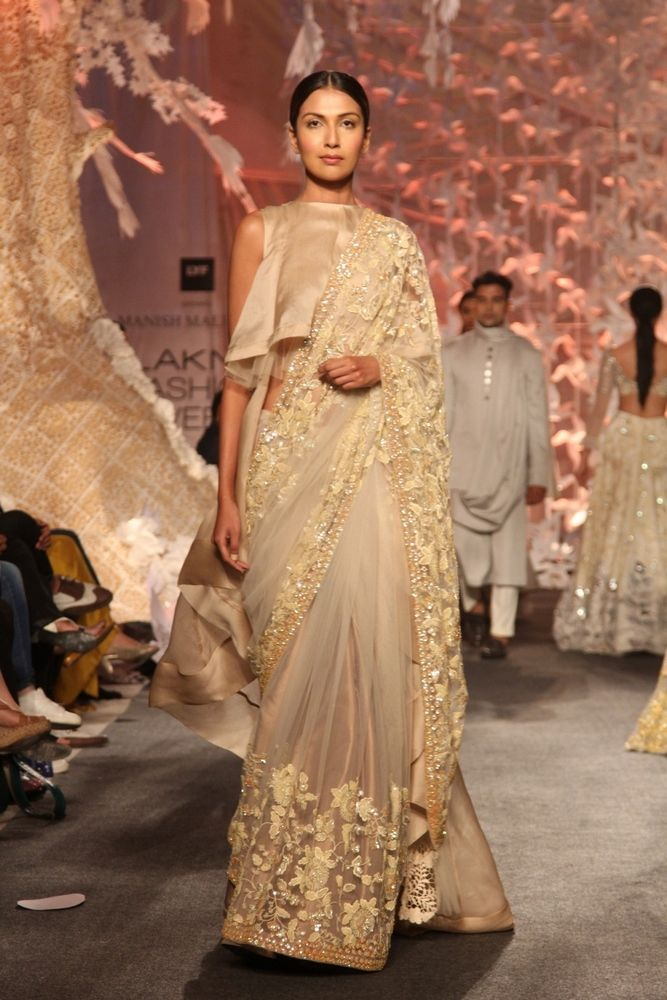 Model in Manish Malhotra's ELEMENTS Collection_LFW4