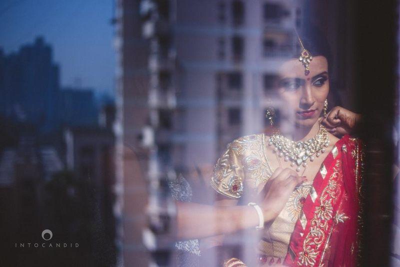 1426063231_1425898629_15-mumbai-wedding-photography-bride-hindu-gujarati-intocandid