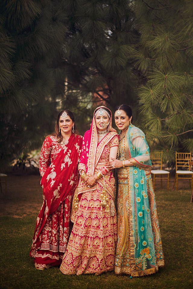 1452317547_35_Brides_family_001
