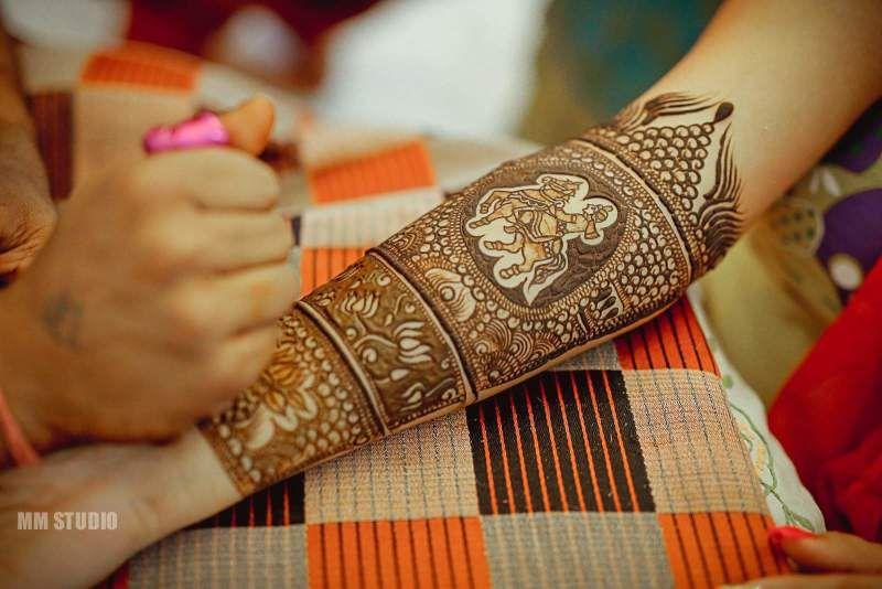 fa10d7dc3b Mehndi Designs for 2019 Brides : 100+ Unique Designs | WedMeGood