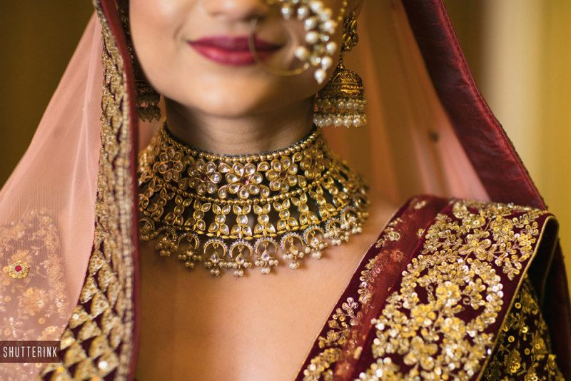 The magnificence of this matte gold bridal necklace is simply stunning!