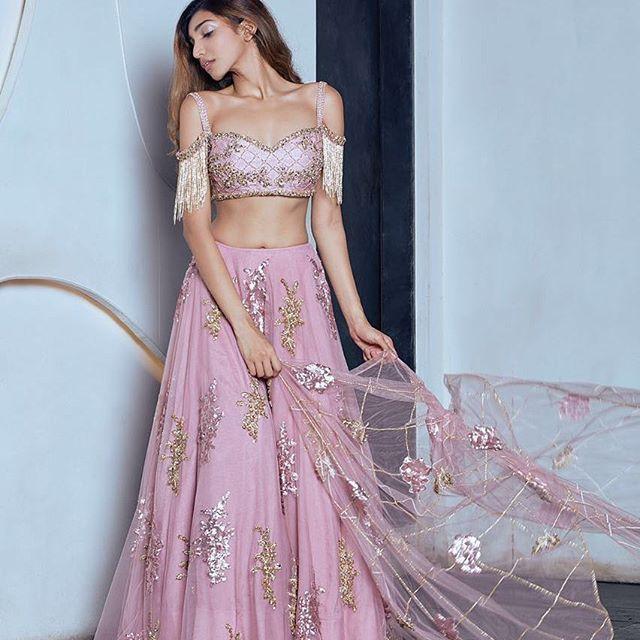Extraordinary Bridal Lehenga Styles for your Exclusive Modern Wedding, 21434076 324186361380082 884255593546645504 n