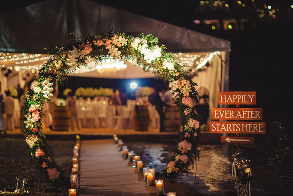 wedding entry walkway decor ideas