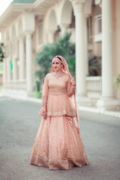66f42b5873 This Bride Who Nailed The Perfect Combination Of Vintage With A Chic Touch