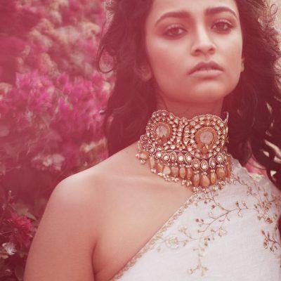 Sabyasachi Uncut diamond and yellow sapphire necklace