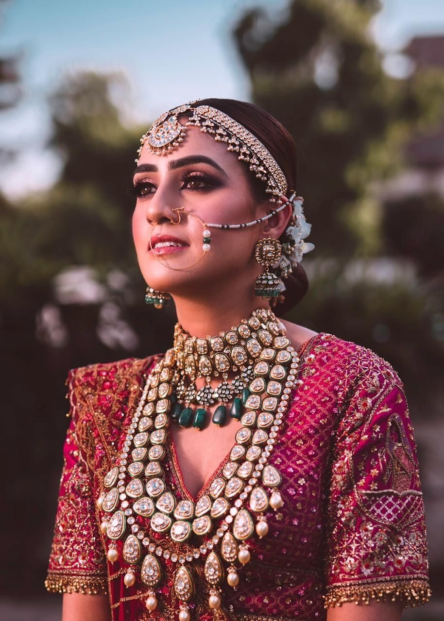 Minimal bridal nath with pearls