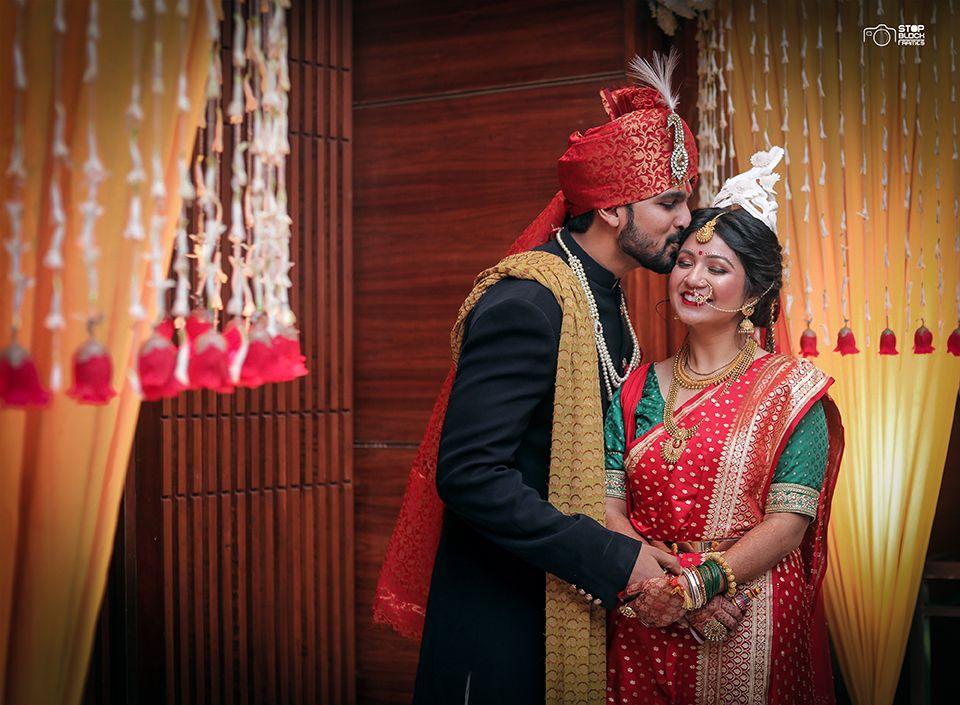 Bengali bride, bengali wedding, bangles