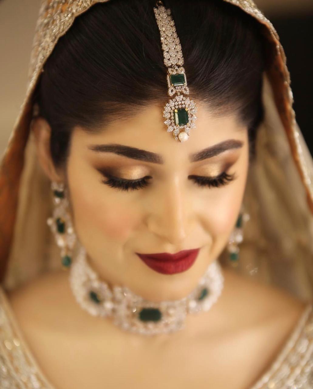 Bride in diamond jewellery