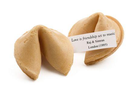 Trending: Fortune Cookies in Wedding Boxes