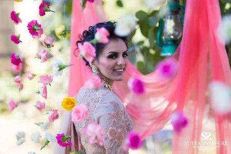 8 Chic  bridal bun hairstyles which are new age