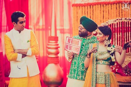 Ultra lively wedding in Delhi with stunning colors !