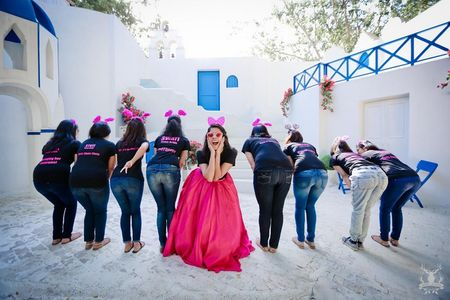 An adorable pre-wedding shoot with bridesmaids in tow