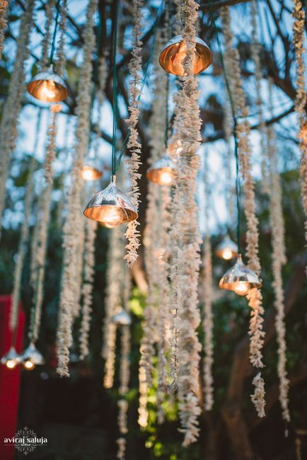 Innovative Lighting: The Most Stunning Ideas For Simple Weddings!