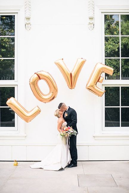 "#Trending: Metallic ""LOVE"" Balloons For Those Looking For a Simple Photo / Decor Idea!"
