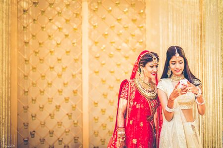 What Should Your BFF Do At Your Wedding? Here Are A Few Tasks You Can Pass Onto Her!