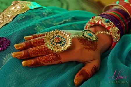 6 Spanking New Mehendi Favors For The Modern Bride!
