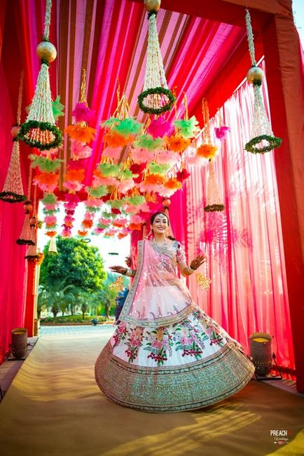 Pretty Ahmedabad Wedding With Colourful Decor And A Quirky Vibe!
