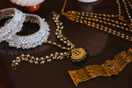 10 Brides (& A Groom) Who Rocked Heirloom Jewellery On Their Wedding!
