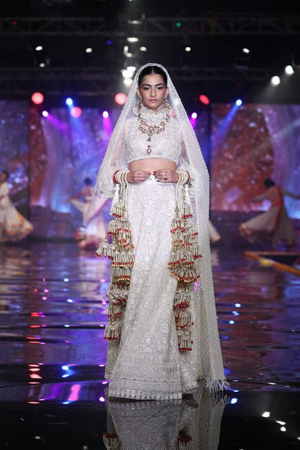 Abu Jani & Sandeep Khosla's New Bridal Collection With A Bride in White!