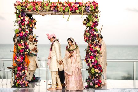 Pretty NRI Wedding With A Dash Of Simplicity & Style And A Bride In Pastel Pink!