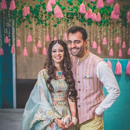This Bride's Breezy Mehendi Style Has Got Us Obsessed !