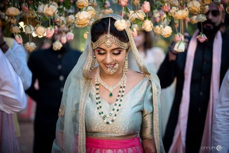 Beautiful Bengaluru Wedding With A Bride In A Pastel Benarasi Lehenga!