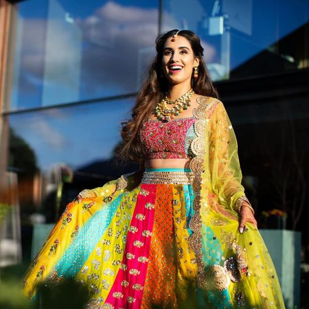 This Bride's NRI In-Laws Got A Beautiful Lehenga Customised For Her & We Are Floored!