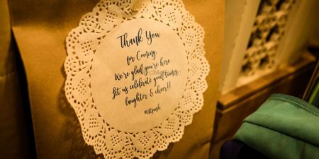 Super Luxurious And Unique Wedding Favors You Can Gift!