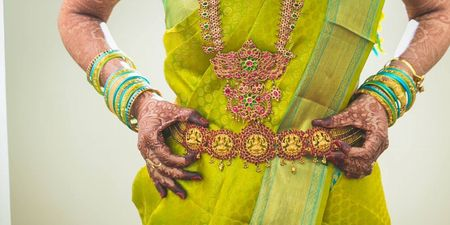 15+ Beautiful Kamarbandhs We Spotted On Real Brides!