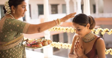 15 Pictures Of Brides And Their Moms That Made Us Go 'Aww'- You Must Get These Clicked Too!