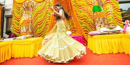 A Fun Delhi Wedding With A Colourful Mehendi
