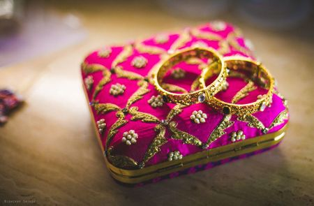 6 Super Useful Things You Just Have To Keep In Your Bridal Clutch!