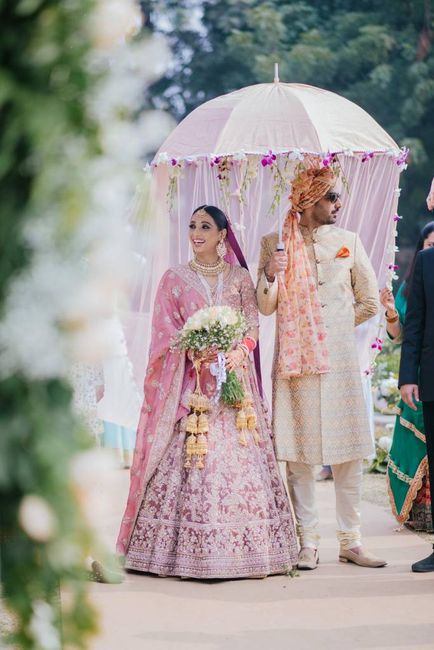 A Gorgeous Delhi Wedding With An Emotional & Totally Unique Bridal Entry!