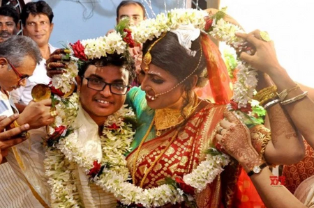 A Love Story Beyond Bounds- Bengal Has Its First-Ever Trans Wedding!