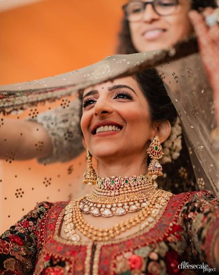 WMG Recommends: 10 Getting Ready Shots Every Bride Must Get Clicked For Her Wedding Album!