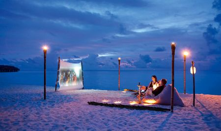 Watch A Movie In The Middle Of An Ocean On Your Honeymoon!