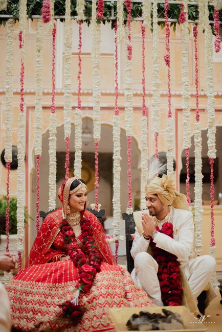 Intimate Palace Wedding With Upbeat Decor & A Chirpy Bride!