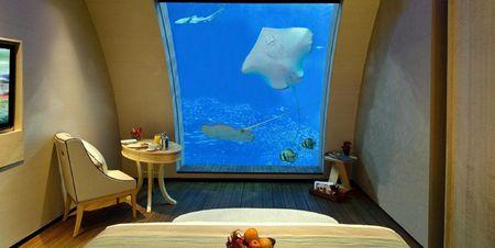 5 Underwater Hotels For Your Honeymoon